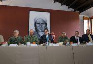 El mandatario estatal y las autoridades que conforman el GCM, coincidieron en redoblar las acciones con la finalidad de que el Gobierno Estatal siga cumpliendo con la tarea de brindar seguridad y certidumbre a las michoacanas y michoacanos