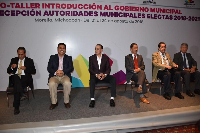 Roberto Carlos López destacó el valor de dicha capacitación, ya que lo mejor es realizar una transición que no genere malas interpretaciones, dudas o vacíos que posteriormente se reflejen en la cuenta pública