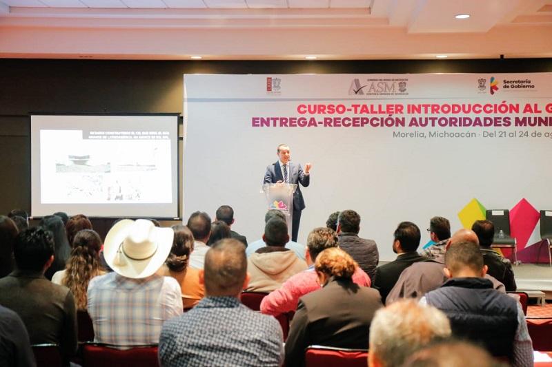 El coordinador de Asesores de la institución, Mauricio Espinosa Ortiz, expuso este esquema de operación y coordinación ante las autoridades municipales electas