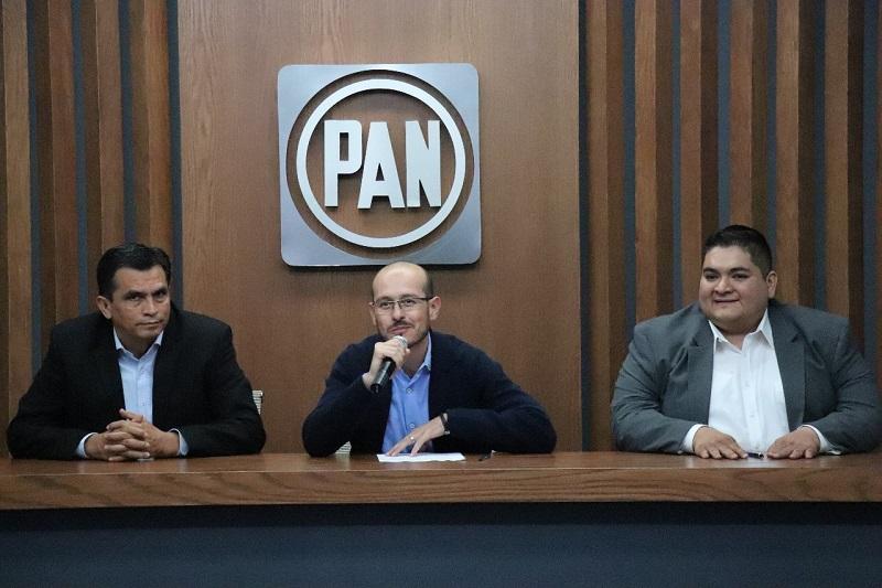 En el PAN nos sentimos orgullosos de tomar las decisiones de una manera democrática, nuestra institución se ha caracterizado por mucho tiempo por tomar en cuenta a todas las personas que sean necesarias para tomar una decisión: Hinojosa Pérez