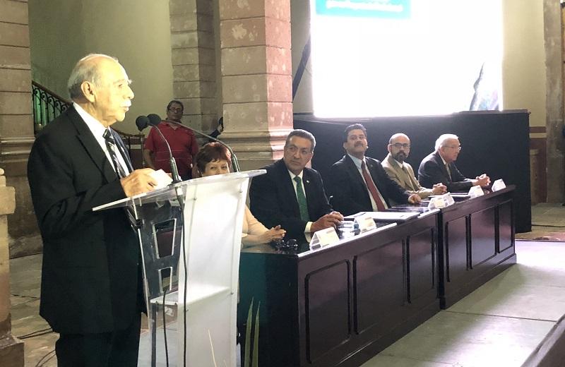El responsable de la Educación Binacional  Migrante, Hugo Guerrero Gallardo aseguró que las instituciones educativas, como judiciales y el mismo Poder Legislativo son instituciones que nos dan fuerza y sostenimiento como país y como nación