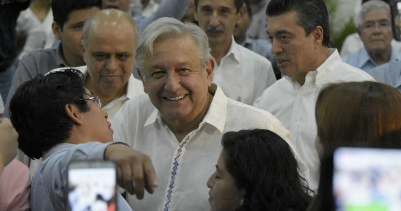 López Obrador reiteró que dará marcha atrás a la reforma educativa y que habrá una nueva, tomando en cuenta las propuestas de maestros, padres de familia y especialistas en educación (FOTO: CUARTOSCURO)