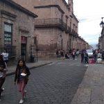 Los manifestantes fueron encabezados por Rabí Núñez Medina y Héctor Enciso Medina, quienes exigieron que se retomen las mesas de trabajo pendientes con el gobierno saliente