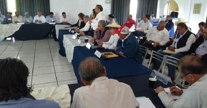Medina Niño informó, que en unos días más concluirá el periodo de la actual dirigencia del Comité Estatal de Sanidad Vegetal, encabezado por Rito Mendoza y se tomará la protesta oficial al nuevo liderazgo