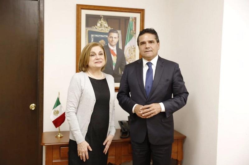 El mandatario estatal agradeció el apoyo que el Gobierno Federal brinda a la entidad a través de la Secretaría de la Función Pública, a fin de fortalecer los procesos de prevención, normatividad, detección y sanción para erradicar prácticas de corrupción en Michoacán