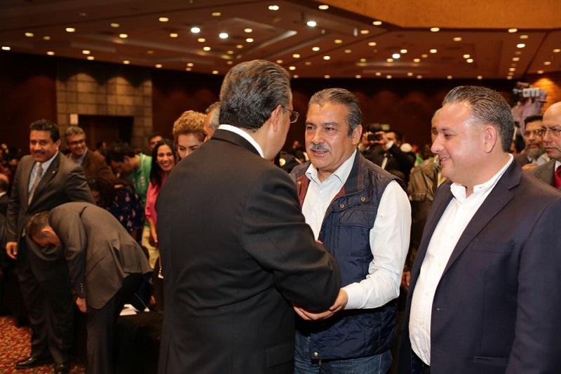 Lázaro Medina, le expresó sus felicitaciones por adelantado, al estar a un día de asumir el cargo oficial como presidente municipal de Morelia