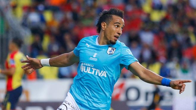 Querétaro no se despeinó mucho, solamente mostró orden táctico, mucha concentración y aprovechó bien las desatenciones defensivas del rival, ya que en ambas anotaciones agarró mal parada a la zaga