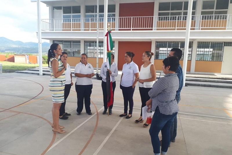Con una inversión de cinco millones de pesos del ayuntamiento de Nahuatzen, se entregaron obras en los Telebachilleratos de San Isidro y en La Mojonera