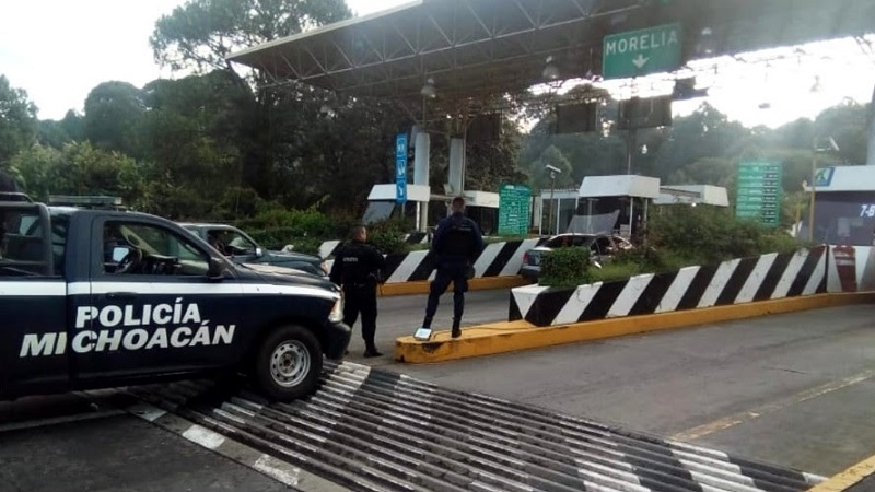 Los uniformados vigilan las casetas de cobro de Zirahuén, Huiramba, Lagunillas, Santiago Undameo, San Ángel Zurumucapio y Taretan
