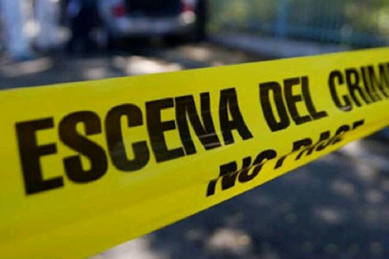 """Este domingo por la mañana en la localidad de Cenobio Moreno, en el municipio de Apatzingán, tres presuntos sicarios y dos elementos de la Marina Armada de México, murieron durante un enfrentamiento que se registró con presuntos miembros del grupo criminal de """"Los Viagras"""""""