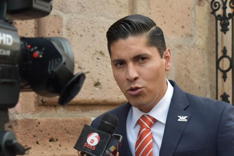 Javier Paredes dijo que como legislador está en la línea de construir en conjunto con las demás bancadas los acuerdos necesarios para lograr que el Congreso del Estado sea transparente y rinda cuentas
