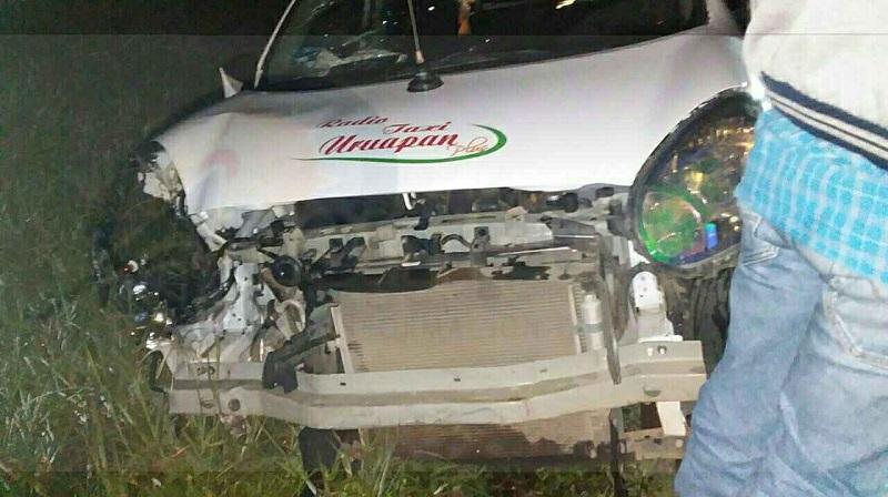 Paramédicos atendieron en el lugar al conductor, quien por fortuna no amerito trasladó, haciéndose cargo elementos de la Policía Michoacán para trasladar al conductor en estado de ebriedad a barandilla