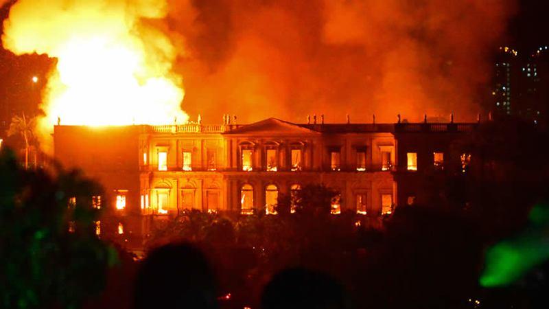 """""""Hoy es un día trágico para Brasil. Se han perdido doscientos años de trabajo, de investigación y conocimiento"""", afirmó el presidente Michel Temer en un comunicado de prensa"""