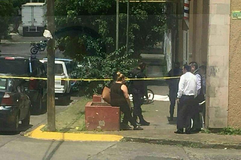 El joven peluquero recibió al menos cuatro impactos de bala en su cuerpo, los cuales le costaron la vida