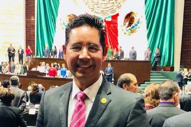 Pérez Negrón Ruiz destacó también que desde el Congreso de la Unión, impulsará los cambios que demanda la ciudadanía para alcanzar el desarrollo con base en sus propias necesidades y demandas