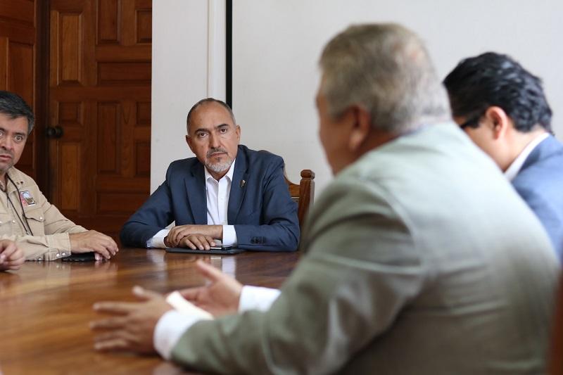 Durante la administración del gobernador Silvano Aureoles Conejo, la Secretaría de Comunicaciones y Obras Públicas y la Junta de Caminos han logrado rehabilitar y reconstruir el 20 por ciento de las vías terrestres cargo del estado
