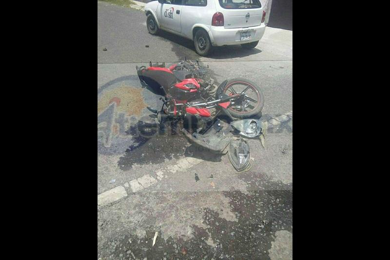 En el lugar resultó una persona lesionada identificada como Andrés R., de 20 años de edad, quien fue trasladado al IMSS para recibir atención médica