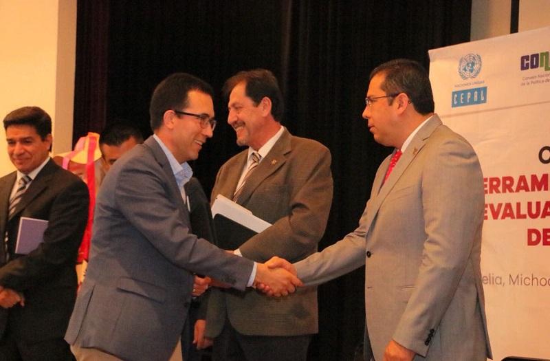 Barragán Vélez recordó que la instrucción del Ejecutivo es clara: mejorar la calidad de vida de las y los michoacanos