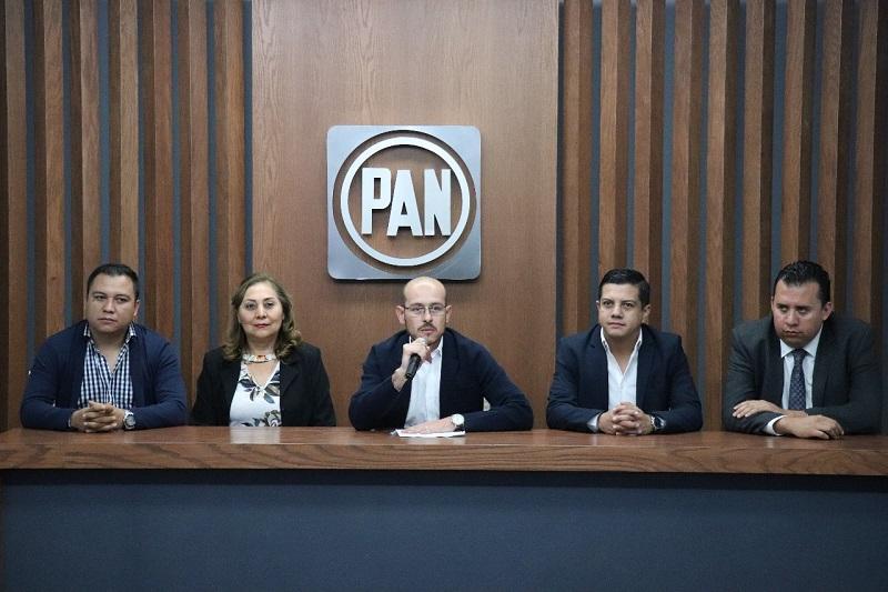El pacto de MORENA con el PRI y sus partidos aliados se hace cada vez más claro, el ejemplo es el caso Velasco, y los acontecimientos que se dieron después de lo suscitado el día de ayer, el partido verde entregándole diputados: Hinojosa Pérez