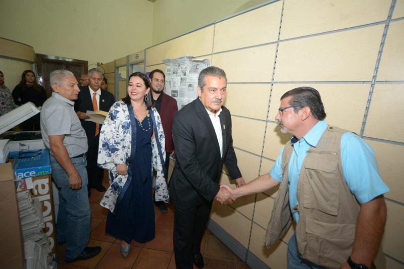 Morón Orozco destacó el papel fundamental que juegan los trabajadores en la administración pública