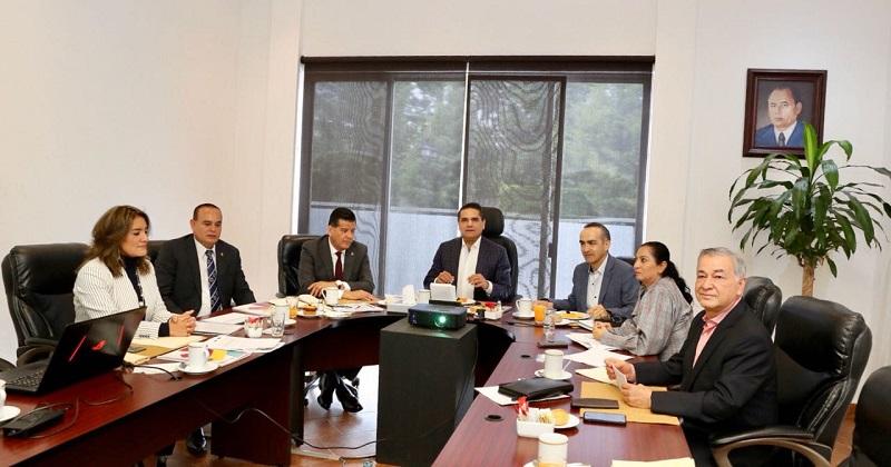 En esta reunión estuvieron presentes el secretario de Seguridad Pública, Juan Bernardo Corona Martínez; el procurador general de Justicia, José Martín Godoy Castro; y la titular del Secretariado Ejecutivo del Sistema Estatal de Seguridad Pública, Lilia Cipriano Ista