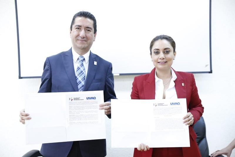 """""""Quiero celebrar la firma de este convenio que no tengo ninguna duda que va a coadyuvar a esta formación profesional de todos ustedes"""", expresó Julieta López Bautista"""