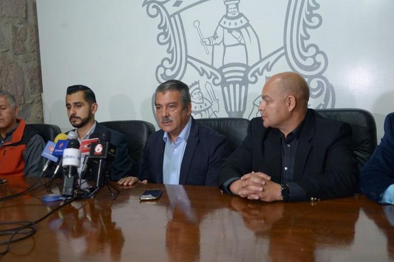 Tanto el líder sindical, Alejandro Saldaña Plasencia y el director general del organismo, Julio César Orantes Ávalos, aceptaron dar continuidad a las negociaciones y demandas de los sindicalizados, bajo la consigna de desistir de la huelga para no continuar afectando a la ciudadanía