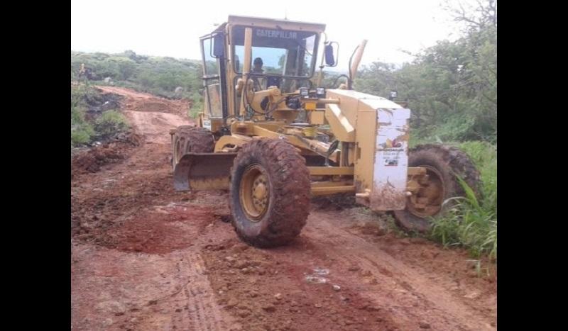 Se han mejorado y aperturado más de 5 mil kilómetros de caminos saca cosechas; además de realizar limpieza y desazolve en más de 300 kilómetros de canales y drenes