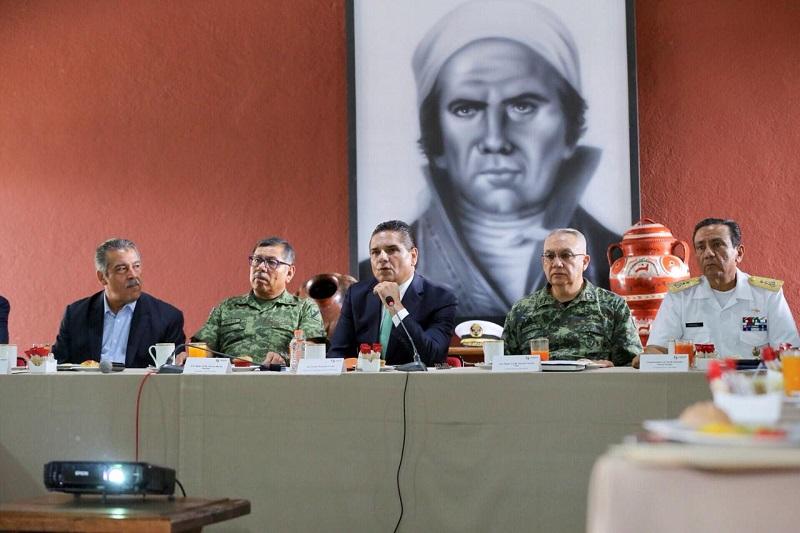 Revisa el gobernador de Michoacán, Silvano Aureoles, resultados en combate a delitos de alto impacto en la entidad; se reúne con el alcalde de Morelia, Raúl Morón, con quien comparte los resultados de la estrategia conjunta entre los tres niveles de gobierno