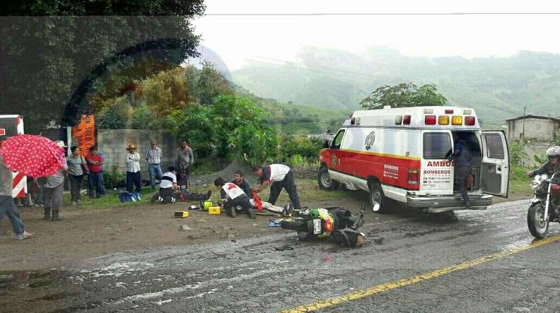 Al lugar se trasladó unidad médica de la Asociación de Bomberos del Estado de Michoacán (ABEM) localizando paramédicos una motoneta tipo F150, de color amarillo con negro tirada en la cinta asfáltica