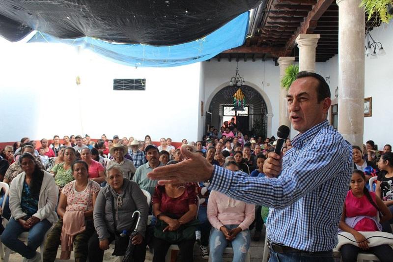 Ante hombres y mujeres de Panindícuaro, el líder fundador del PRD, recalcó la reorganización que ha iniciado por todo el territorio michoacano