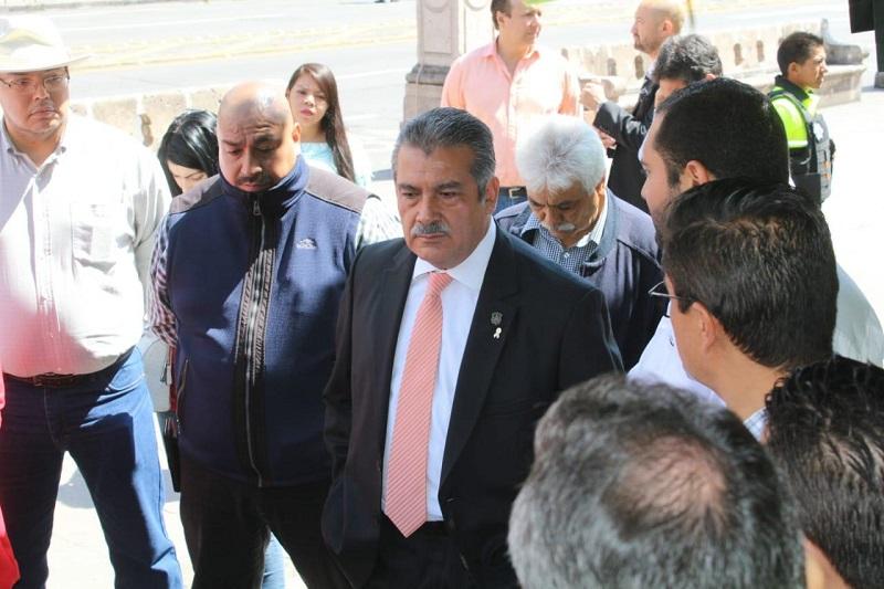 Morón Orozco hizo un llamado al  personal del Ayuntamiento para la entrega total en su trabajo al  mencionar que se espera una noche de celebración, en al que  se privilegie la seguridad de la ciudadanía que acude al Centro Histórico de Morelia