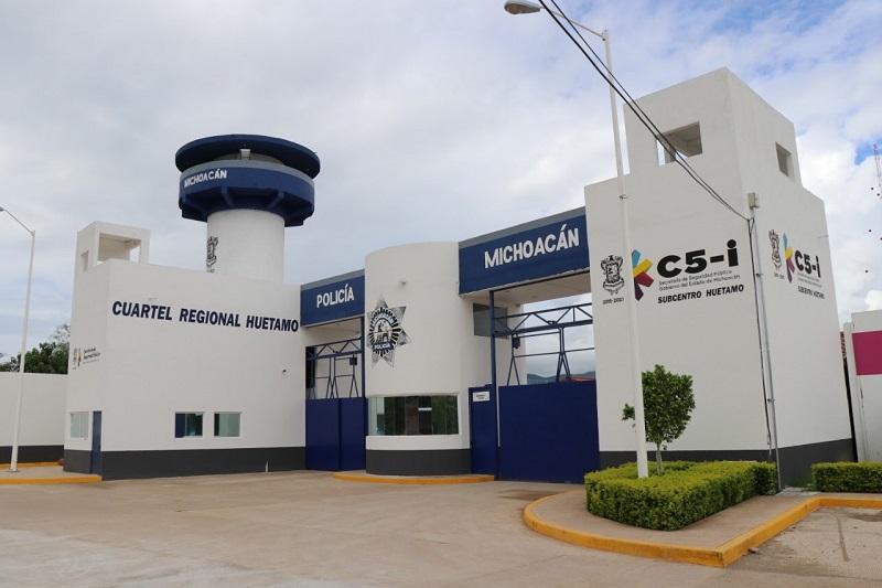Los agentes de la Policía Michoacán han asegurado 41 armas de fuego, 103 cargadores y dos mil 409 cartuchos útiles, así como un artefacto explosivo