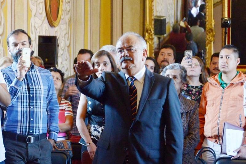 La encomienda del presidente municipal, Raúl Morón, en este tema es cuidar la correcta aplicación de los recursos públicos y ejercer los encargos públicos con honestidad y trasparencia