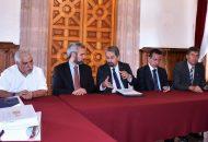 El rector de la UMSNH, Medardo Serna, precisó que el proyecto de presupuesto austero que está construido dando prioridad a los sueldos y salarios de los trabajadores de la institución. Destacó que por cuarto año consecutivo no se incrementó