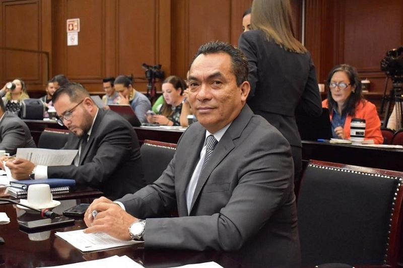 López Solís recalcó que no debe existir distancia entre representantes y representados, ya que para lograr avanzar de manera integral debe existir un vínculo permanente de nutrimento en la labor legislativa