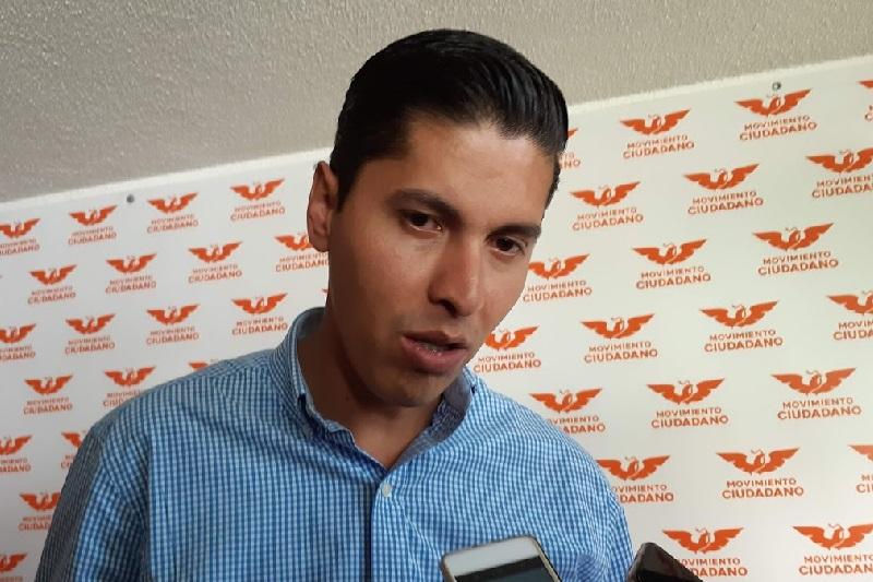 Para el Congreso del Estado significará un gran sacrificio ahorrar 400 mdp, pero a la máxima casa de estudios de los michoacanos esos recursos les alcanzarán para dos meses: Javier Paredes