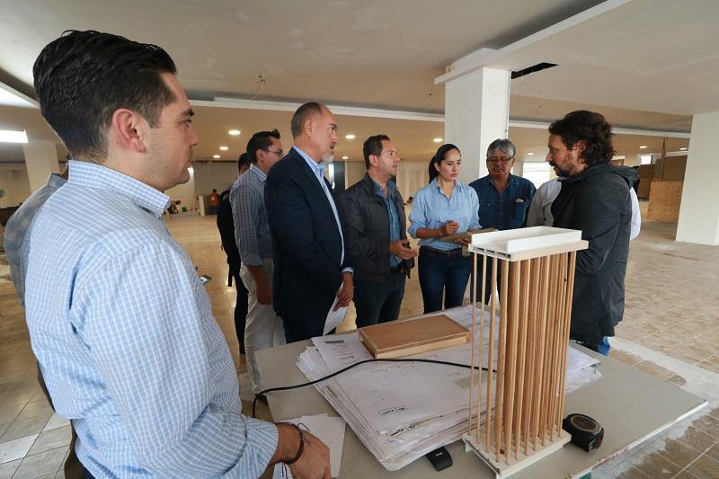 Se dio a conocer que la proyección es concluir la construcción a finales del próximo mes de octubre