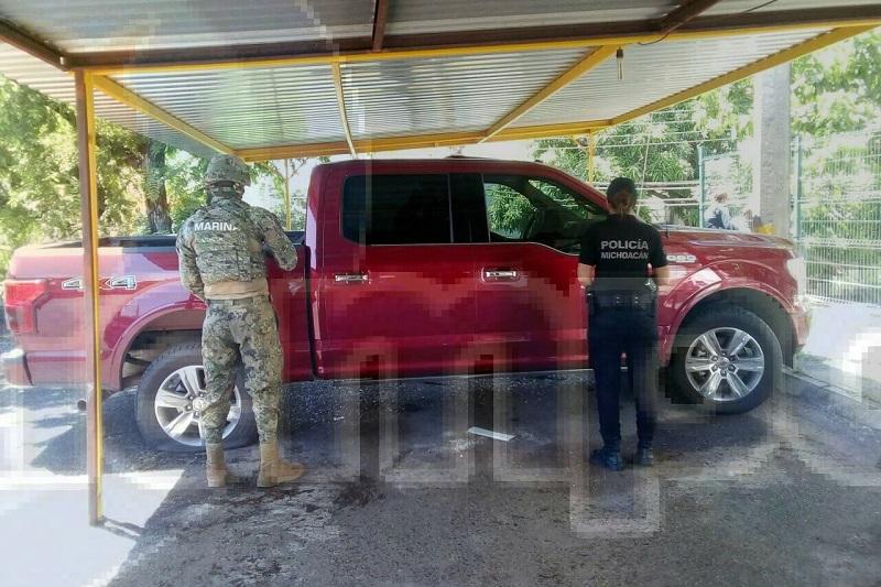 Tras el aseguramiento de la unidad está fue trasladada a la Fiscalía de Lázaro Cárdenas para lo conducente