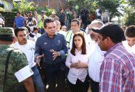Se reúne con el Comité Estatal de Emergencias en este municipio y acude al albergue habilitado en el Auditorio Municipal
