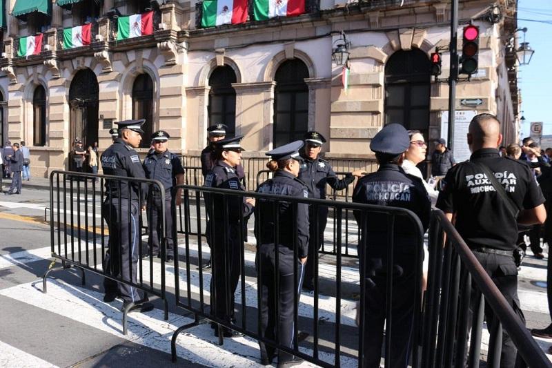 Elementos de la Unidad de Restablecimiento del Orden Público (UROP) se encuentran desplegados en la Avenida Madero y sus alrededores, a fin de salvaguardar a quienes transitan por esta zona
