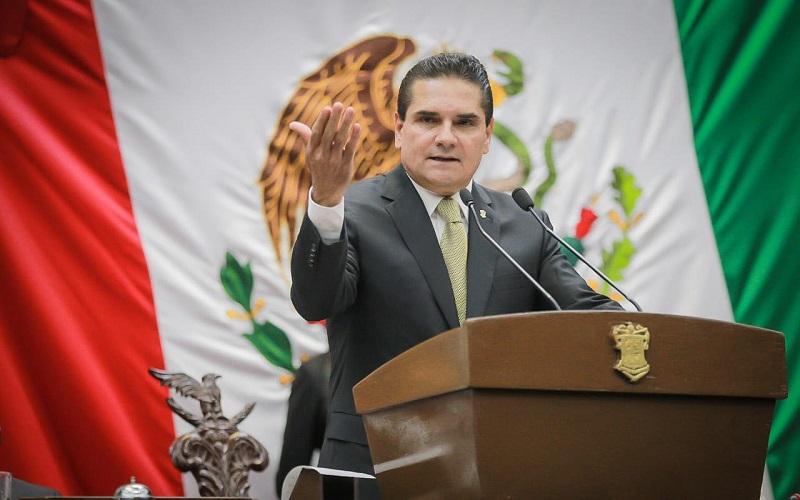 Michoacán, ejemplo en salud, destaca Aureoles Conejo