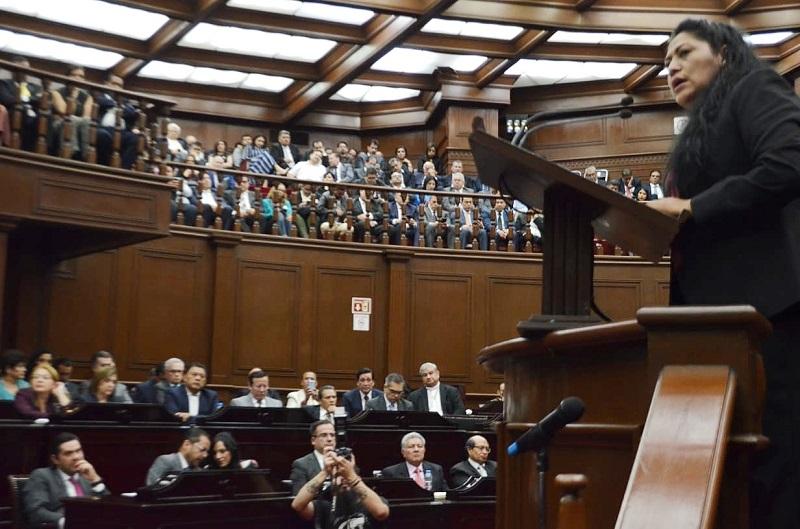 En representación de los legisladores de Morena en la LXXIV Legislatura, la diputada Zenaida Salvador Brígido, desde la máxima tribuna del Legislativo, señaló las asignaturas pendientes del Gobierno del Estado en Gobernabilidad democrática