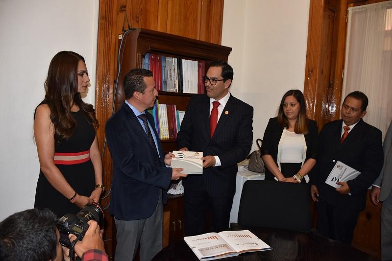 Salas Valencia informó que una vez se instalen las Comisiones legislativas, este informe será turnado a la Comisión de Derechos Humanos, a fin de iniciar cuanto antes su estudio y análisis para estar en condiciones de dictaminar y con ello, cumplir con lo que establece la legislación local