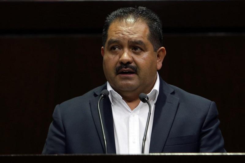 El Congreso mexicano debe evolucionar para configurarse como uno de los poderes esenciales de un sistema presidencial con características e instrumentos parlamentarios: José Guadalupe Aguilera