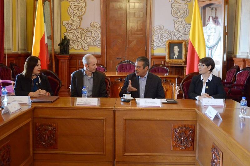 Raúl Morón aseguró que se fortalece la estrategia de seguridad con los Comités Vecinales en las comunidades principalmente, los cuales se instalarán también en las colonias y así hacer partícipe a la ciudadanía en este tema