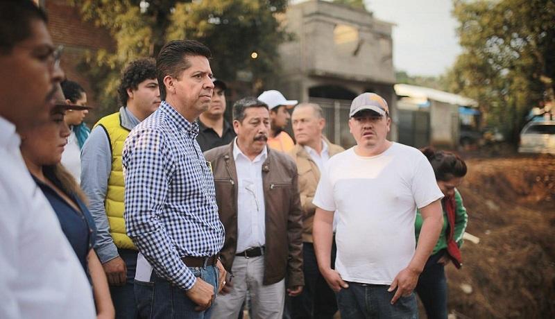 Toño García recorrió las zonas afectadas ofreció sus condolencias a quienes lamentablemente perdieron a sus seres queridos y escuchó a quienes extraviaron gran parte de sus pertenencias