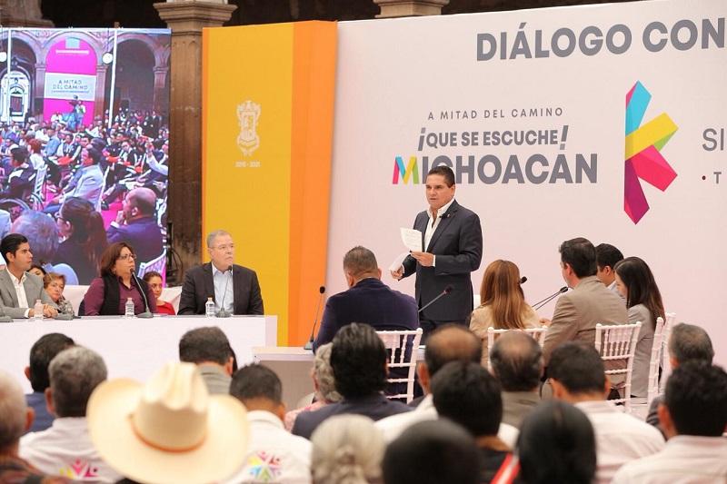 """El presidente de la CANAPAT, Arcadio Méndez Hurtado, reconoció que la seguridad en las carreteras """"ha sido excelente"""", gracias a la buena coordinación que repercute de manera favorable en todo el sector turístico, como hoteles y restaurantes"""