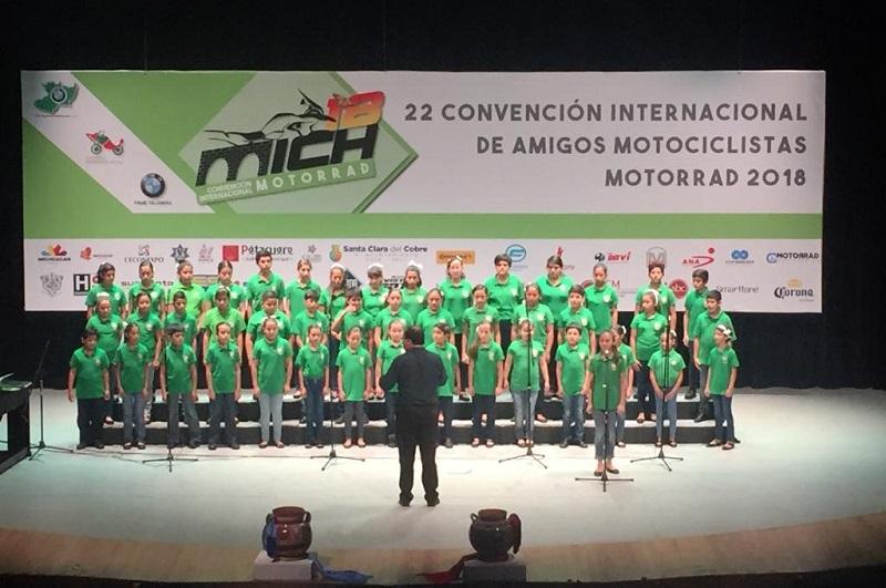 """Se realizan recorridos por diferentes municipios –entre ellos Pátzcuaro, Salvador Escalante, Cuitzeo y Morelia- y se promueven los atractivos turísticos y la gastronomía de Michoacán con las dinámicas denominadas """"moto turismo""""."""