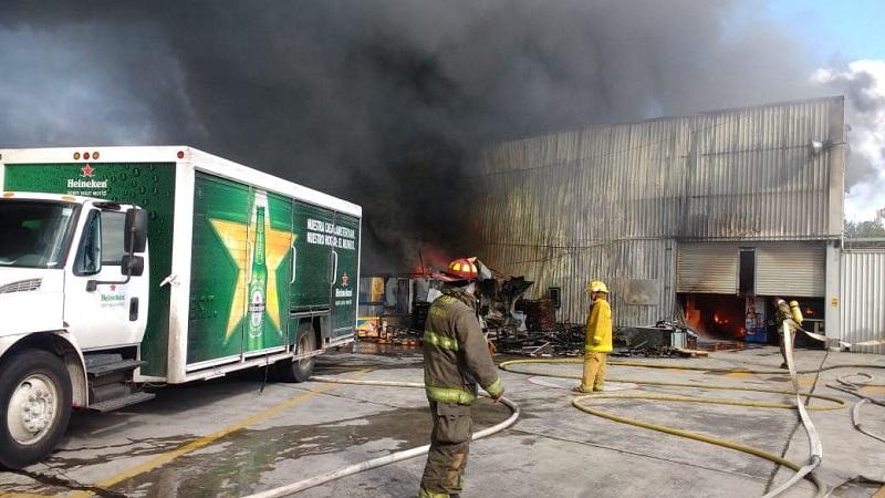 Al lugar arribaron bomberos de Protección Civil Estatal, Bomberos Morelia, Bomberos Voluntarios de Michoacán, así como unidades médicas